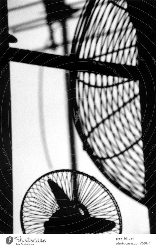 fan 1+2 Ventilator Gegenlicht Fenster Aussicht Antenne Elektrisches Gerät Technik & Technologie Kontrast Schwarzweißfoto