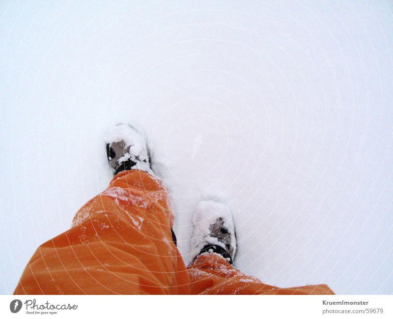Schneestapfen kalt Schnee Berge u. Gebirge orange Wanderschuhe Skihose