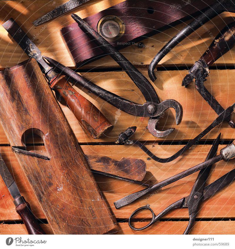 Altes Werkzeug Zange Wasserwaage Säge Schraubendreher Werkstatt Arbeit & Erwerbstätigkeit Fototechnik Schere Bohrmaschine feile Hammer alt Digitalfotografie
