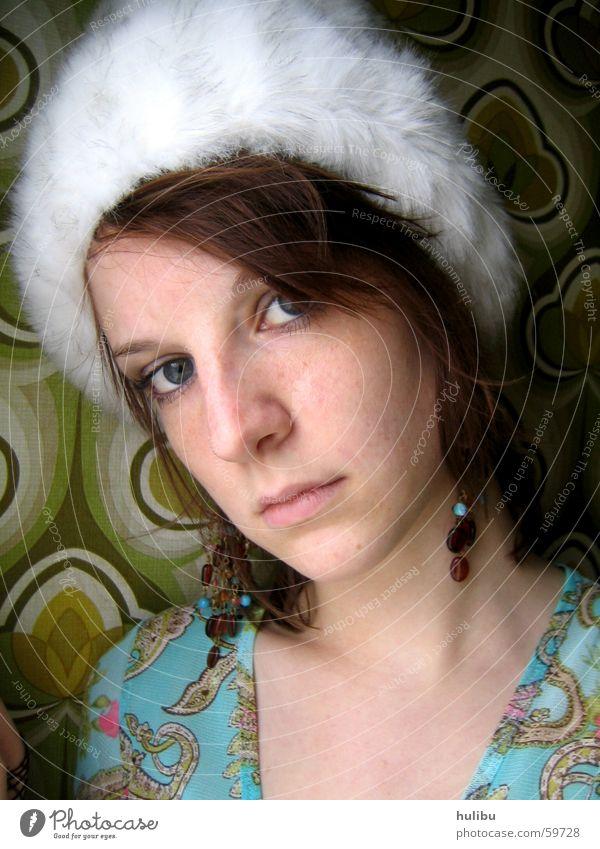 I love Omas Mütze Fell mehrfarbig Frau retro Siebziger Jahre Achtziger Jahre Muster Oldtimer Porträt Ohrringe Gesicht Haare & Frisuren hulibu