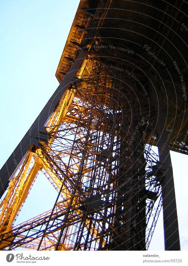 Tour Eiffel Tour d'Eiffel Stimmung Licht Ferien & Urlaub & Reisen Paris Turm Abend Abenddämmerung Freude Architektur