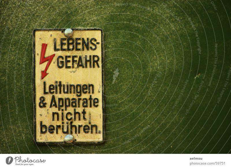Lebensgefahr Metall Schilder & Markierungen Elektrizität gefährlich bedrohlich Blitze Hinweisschild Verbote Warnhinweis Leitung Elektronik Elektrisches Gerät