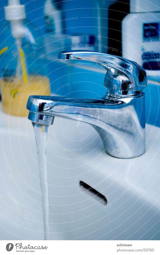 blue blau Wasser Bad Waschen Wasserhahn Waschbecken Seife