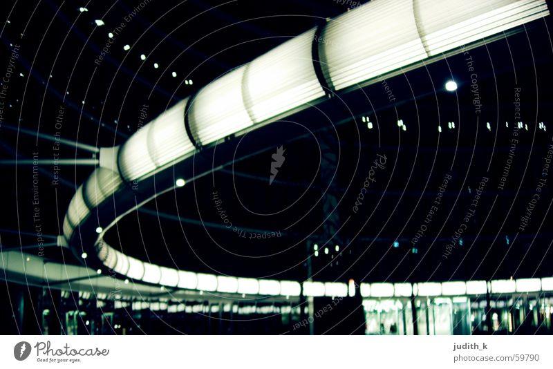 danke herr foster Warszaw Licht Nacht schwarz Schwung loop future Architektur