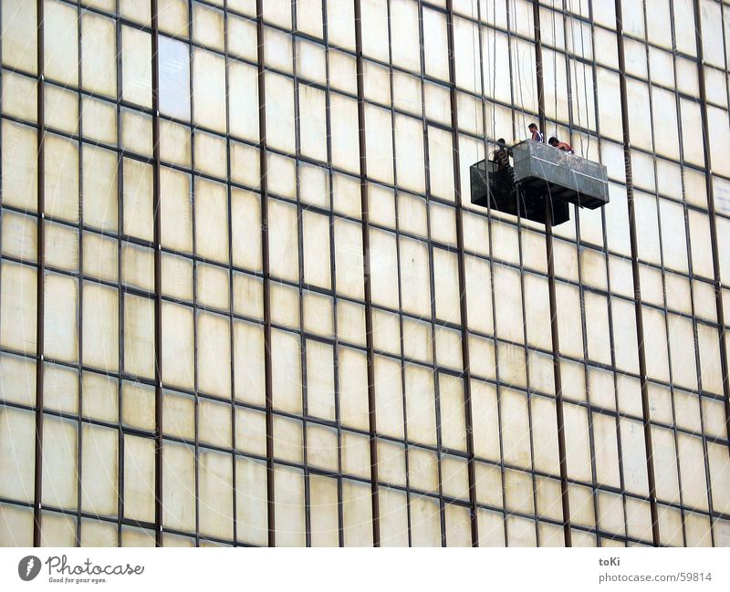 viel Arbeit China Hongkong Kowloon Hochhaus Fenster Spiegel Fensterputzen Fassade Stahl Fahrstuhl Reinigen Gitter Unendlichkeit Handwerk Asien cina 2005 Glas