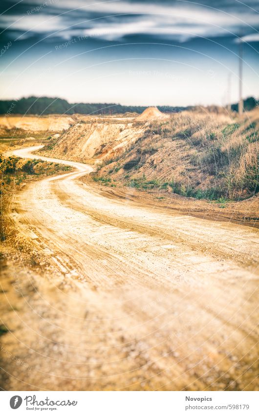 Gravel Pit Natur Landschaft Sand Himmel Wolken Sommer Pflanze Wildpflanze Wald Hügel Straße Wege & Pfade Stein dreckig blau gelb grün weiß Umweltverschmutzung