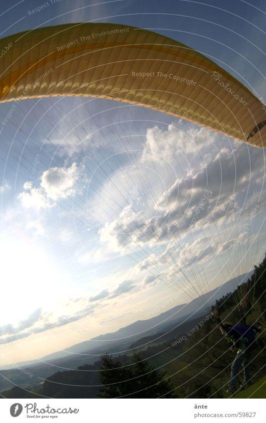 gleitschirmsession III Himmel gelb Freiheit fliegen Beginn Tuch Gleitschirmfliegen stoßen