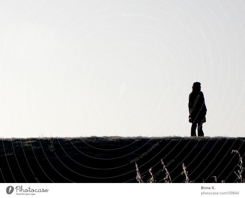 Alone Einsamkeit Gras Deich Gegenlicht Frau Denken Spaziergang gehen Silhouette Himmel Schatten Natur