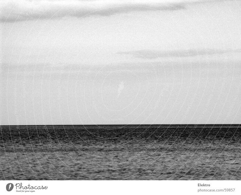 o.b. auf see Meer Ferne See Horizont Wind leer Trauer Sturm Segeln Verzweiflung Strömung