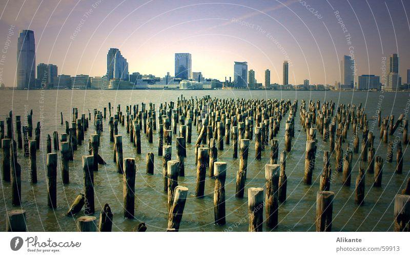 New Jersey Skyline Wasser schön Meer Ferne kalt Landschaft Wasserfahrzeug Küste glänzend nass Hochhaus hoch modern USA Aussicht Hafen