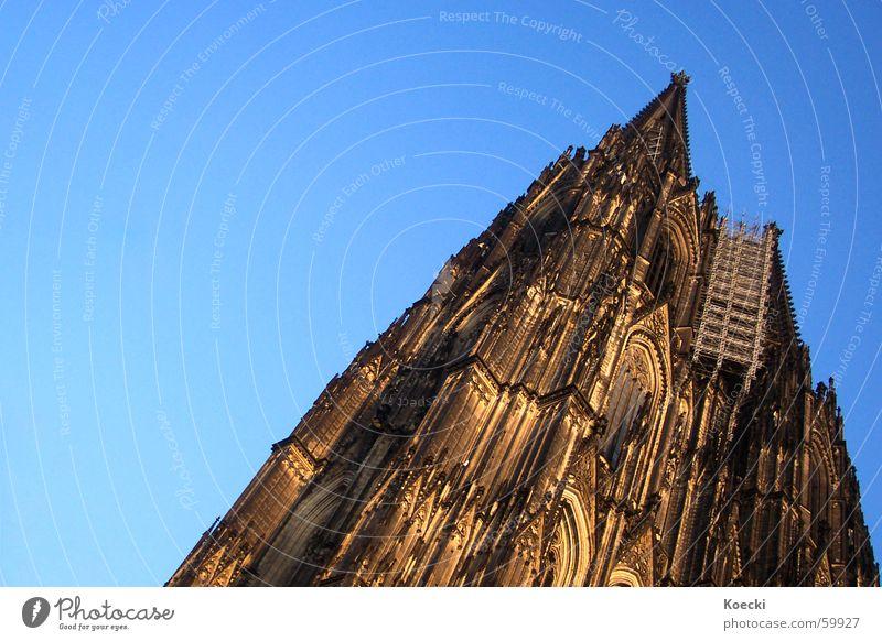 Hey Kölle du bis e Jeföhl Himmel Sonne Sommer Haus Architektur Religion & Glaube Gebäude Deutschland groß Kirche Turm Bauwerk Schönes Wetter Denkmal Köln