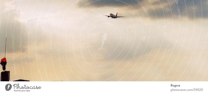 Urlaub, Ich komme!!!!!!!!!!! Himmel Freude Wolken Freiheit Flugzeug Zukunft Abschied Wiedersehen