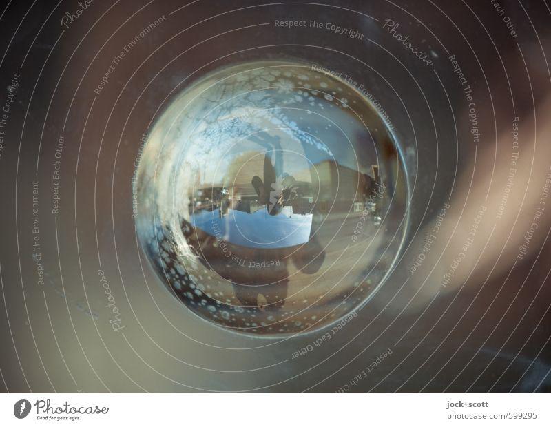 180° Rundschau Fotografieren Kunststoff Kugel stehen glänzend Stadt Neugier Mittelpunkt skurril Surrealismus Irritation auf dem Kopf Reaktionen u. Effekte