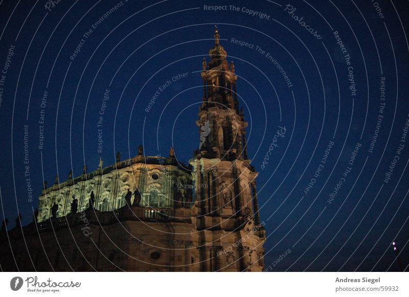 Schönheit der Nacht blau schwarz dunkel Stimmung Religion & Glaube Beleuchtung Turm Dresden historisch Elbe Altstadt Gotteshäuser Hofkirche