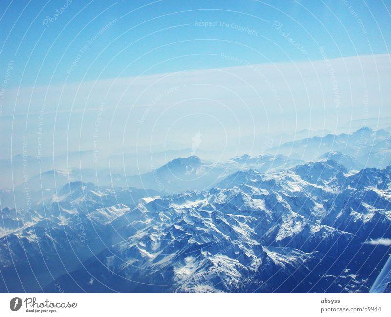Blue Sight Flugzeug Nebel Alpen Luftverkehr blau Sonne Schönes Wetter