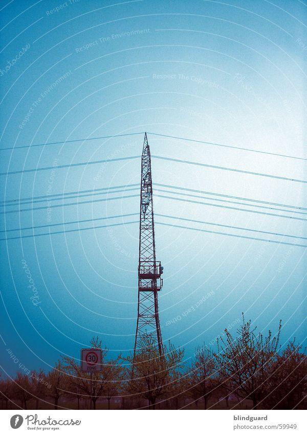 Tower of Power ... Himmel Energiewirtschaft Elektrizität Kabel 30 Strommast Antenne Leitung Umweltschutz Politik & Staat Hochspannungsleitung elektrisch
