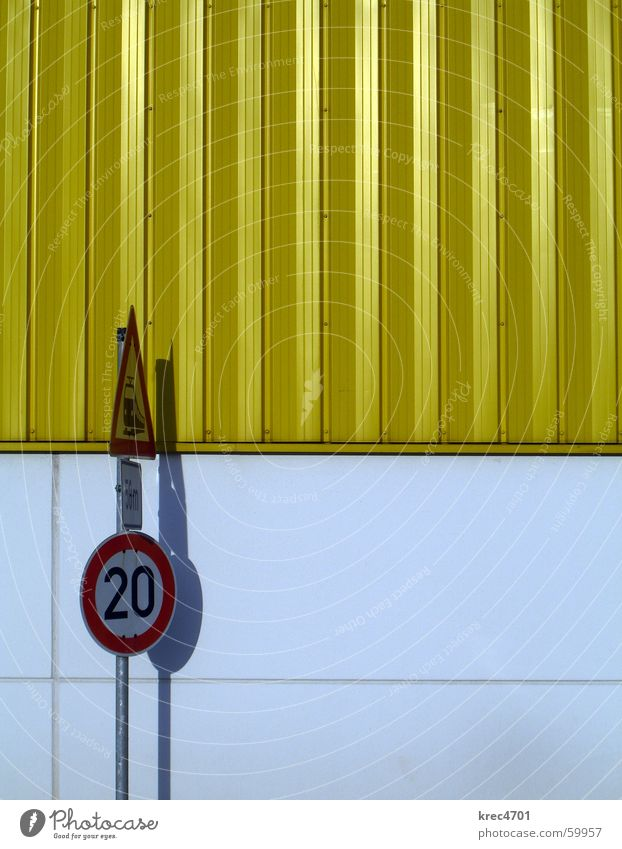 Kontrast Schilder II weiß rot gelb Schilder & Markierungen Lagerhalle Verbote Vorsicht Verkehrsschild Bahnübergang Verbotsschild Gebotsschild