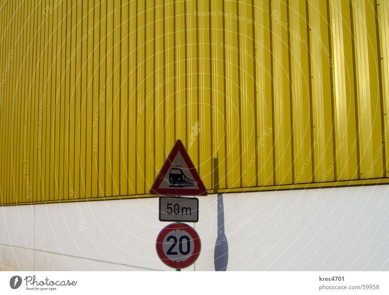 Kontrast Schilder III gelb weiß rot Schilder & Markierungen Verkehrsschild Bahnübergang Verbote Verbotsschild Gebotsschild white red contrast contrasting colors