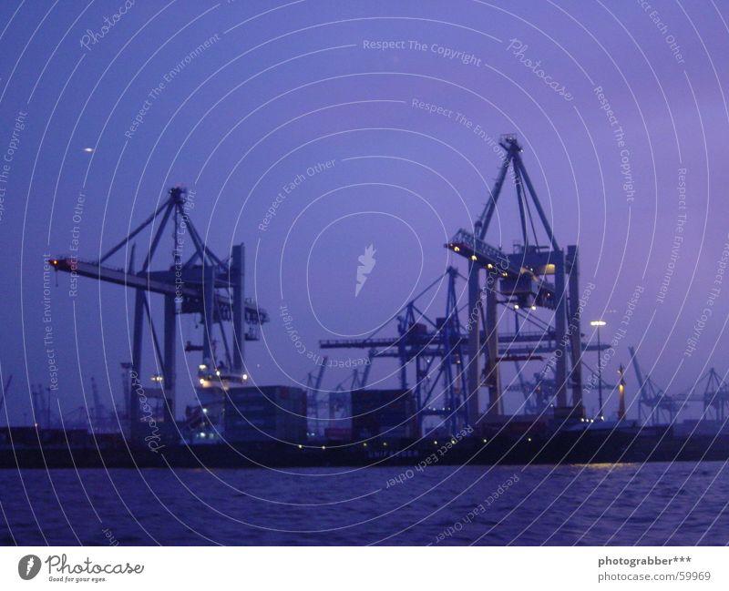 Hamburger Hafen Abenddämmerung