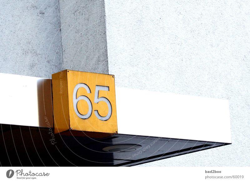 065 Ziffern & Zahlen Hausnummer Dach number ziffer zahl sechsundfünfzig six five sixtyfive Beleuchtung plakstik Kunststoff