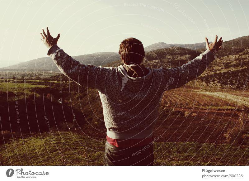 gelobtes Land Ferien & Urlaub & Reisen Mann Sommer Hand Ferne Berge u. Gebirge Religion & Glaube Freiheit Tourismus Ausflug Abenteuer Futurismus heilig Held