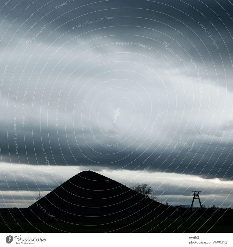 Schatzsucher Himmel Natur blau alt Landschaft Wolken schwarz dunkel Umwelt Horizont groß hoch bedrohlich Technik & Technologie historisch Denkmal
