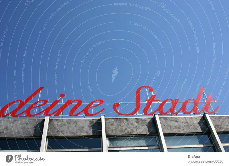 ...deine Stadt Himmel blau Stadt rot Buchstaben Köln Typographie Schönes Wetter Wort Rhein Köln-Deutz