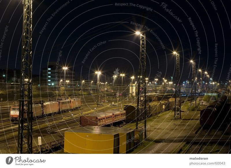 bulb den bahnhof Langzeitbelichtung Eisenbahn Gleise Lokomotive Nacht dri gießen Bahnhof