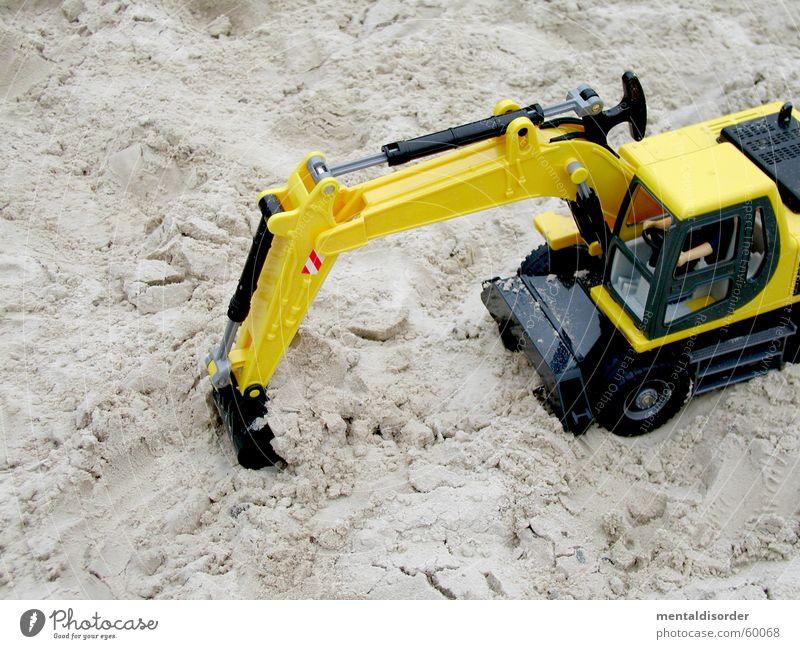 hard work in xs Bagger Spielzeug gelb Bewegung Graben stark Maschine Baustelle Konstruktion Löffel Spielen füllen Planierraupe Sand bauen Erde