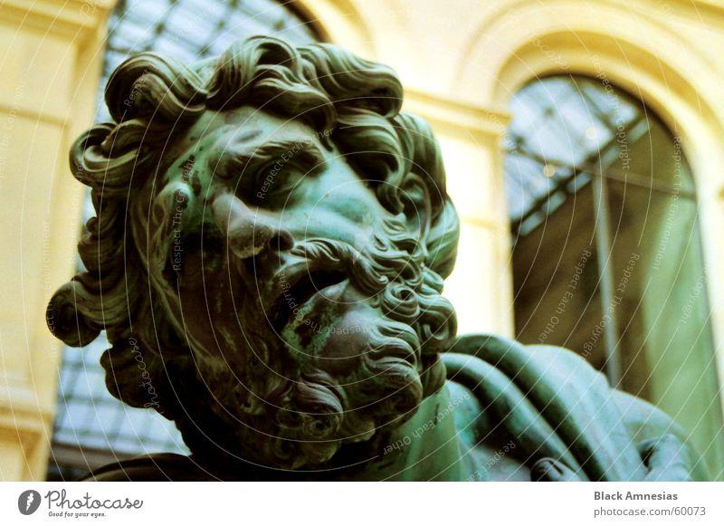 ich bin geneigt zu ... Verzweiflung Paris Louvre grün Kopf Blick Schmerz Traurigkeit