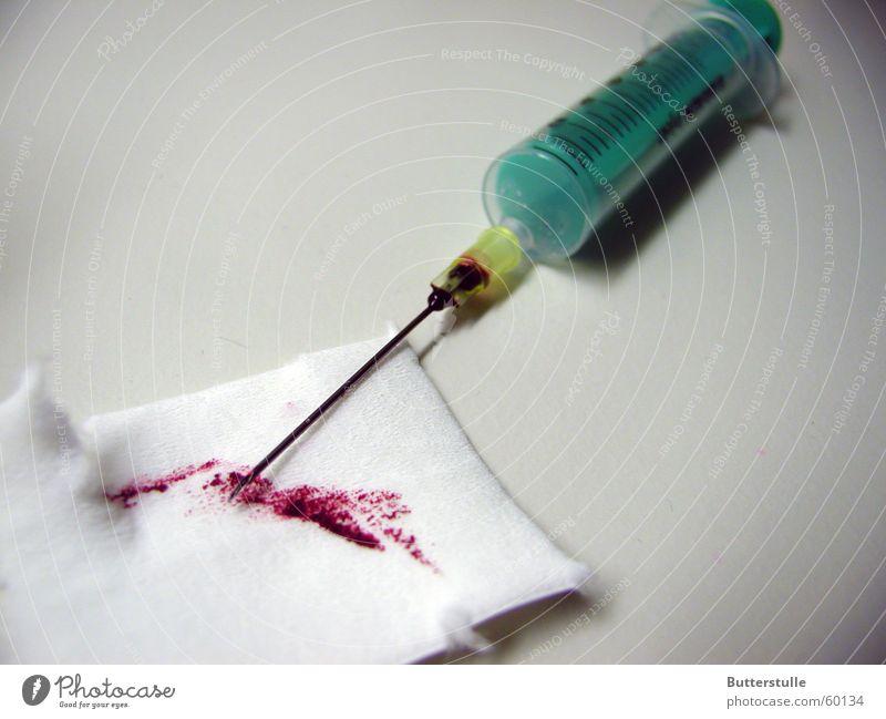 NEEDle Krankenhaus Rauschmittel Medikament Blut Rettung Spritze Notfall notleidend Kanüle
