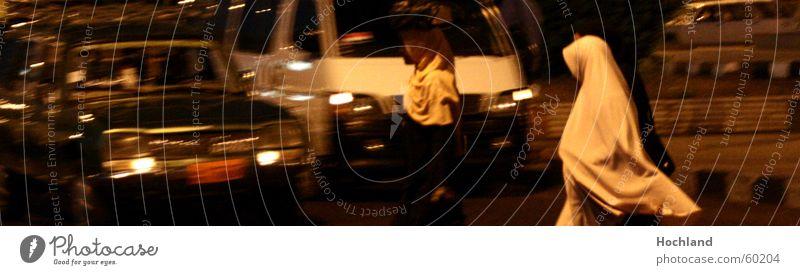 Islam und Moderne Frau Stadt Freiheit PKW Religion & Glaube Verkehr Frieden Afrika Gewalt Tradition Ägypten Tuch Straßenverkehr Schleier bescheiden Islam