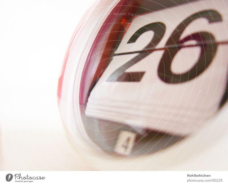 April 26 weiß schwarz retro rund Uhr Ziffern & Zahlen Statue Kalender Siebziger Jahre Anschnitt