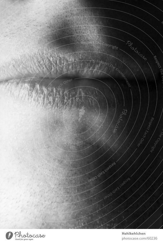 Halt's doch selber. Lippen Kinn schweigen geschlossen ruhig stumm Mund Gesicht Schwarzweißfoto mund halten