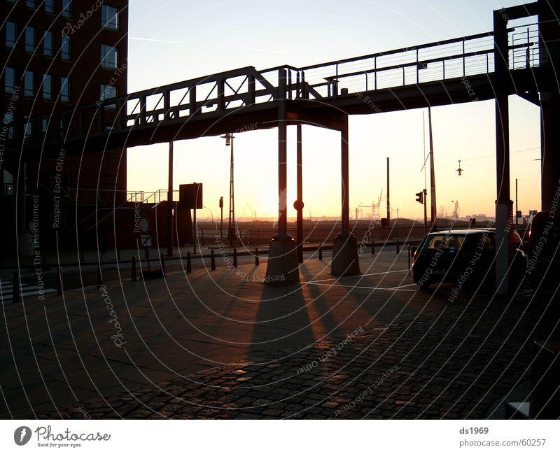 Sonnenaufgang in der Hafencity Europa Stahl Eindruck Außenaufnahme Gegenlicht Hamburg Elbe Treppe Schatten Brücke Freiheit