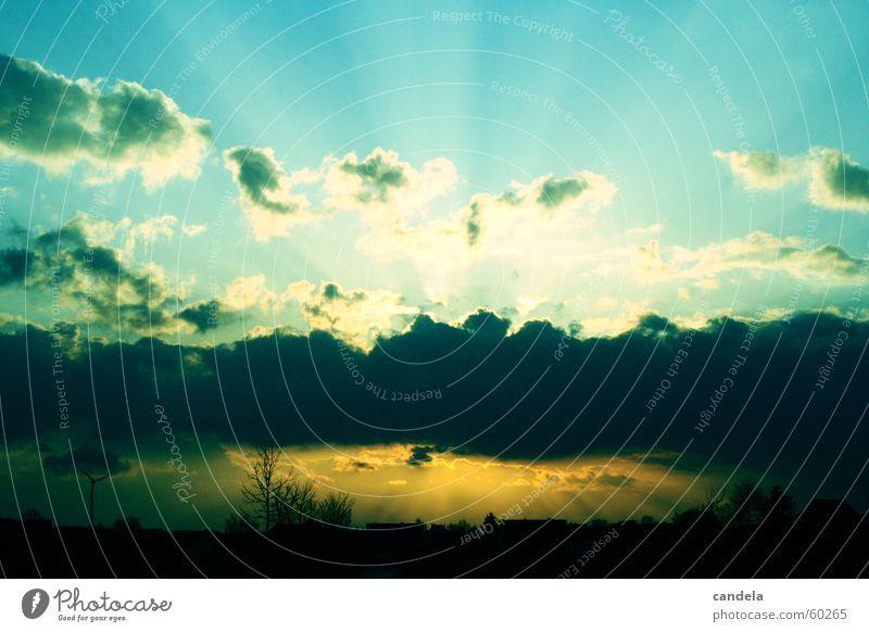 Sunset Sonnenuntergang Wolken Sonnenstrahlen blau Himmel cross umkehrentwicklung