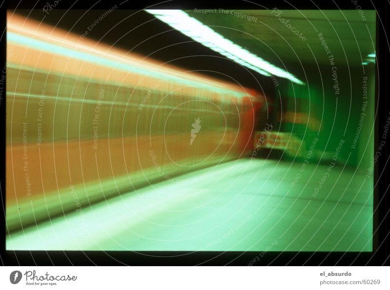 Vollrausch Eisenbahn fahren Untergrund wackeln