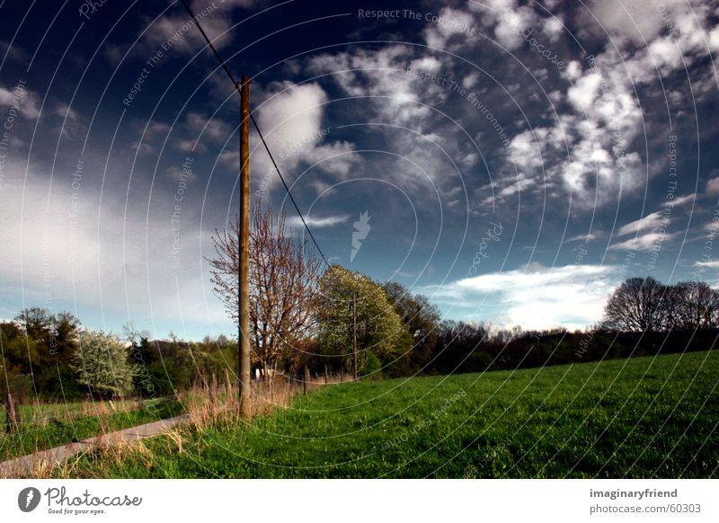 on a wire II Himmel Wolken Wiese Gras Landschaft Länder Strommast