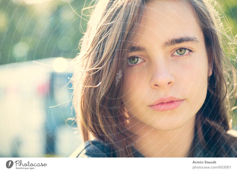 Porträt eines hübschen Mädchens Mensch Frau Kind Jugendliche schön Erwachsene feminin Stil 13-18 Jahre authentisch Coolness einzigartig retro Frieden nah