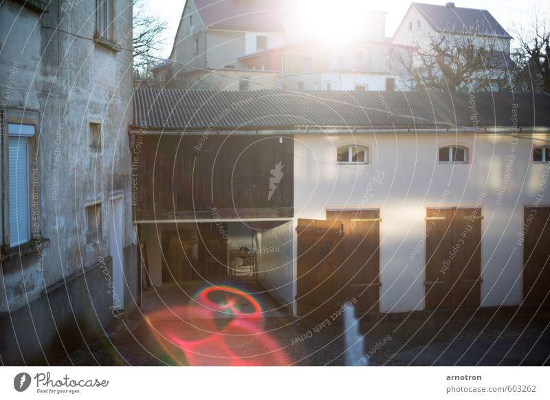 Scheune am Keulenberg Einsamkeit Haus Baustelle Tor Langeweile Handwerker Renovieren Kleinstadt Basteln Stadtrand Blendenfleck heimwerken Verschwiegenheit Säge