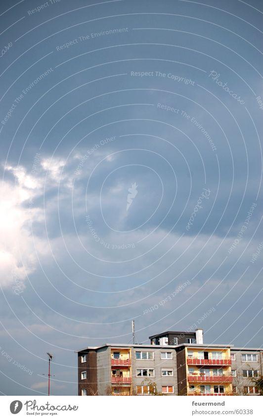 ...vorm Gewitter... Himmel Haus Wolken dunkel Regen Hochhaus Dach