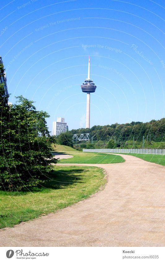 Fernsehturm Cologne II grün Wege & Pfade Architektur Brücke Sträucher Turm Köln Frankfurt am Main Deutsche Telekom Mediapark