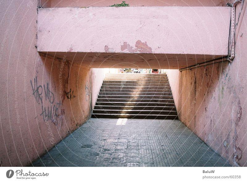 ein schein im untergrund Sonne Eisenbahn analog Bahnhof Untergrund Istanbul Türkei