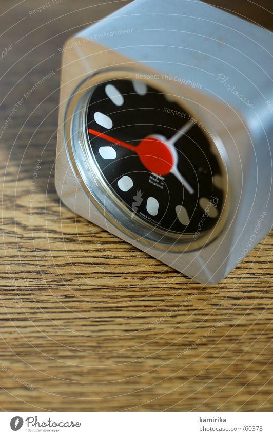 dont fool the oldschool alt Stil Metall Zeit Uhr Statue Siebziger Jahre Sechziger Jahre Aluminium Wecker old-school Uhrenzeiger ticktack