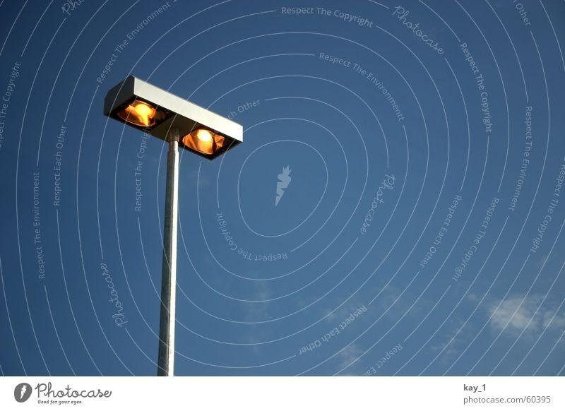 Skylight Lampe Licht Laterne Himmel blau sky blue lamp Beleuchtung