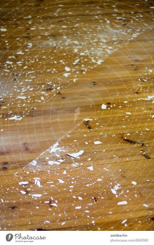 Saubermachen Besen Flur Holzfußboden Bodenbelag Handwerker Maler Anstreicher streichen malen Raum Renovieren Modernisierung dreckig wallroth Wand Werkzeug