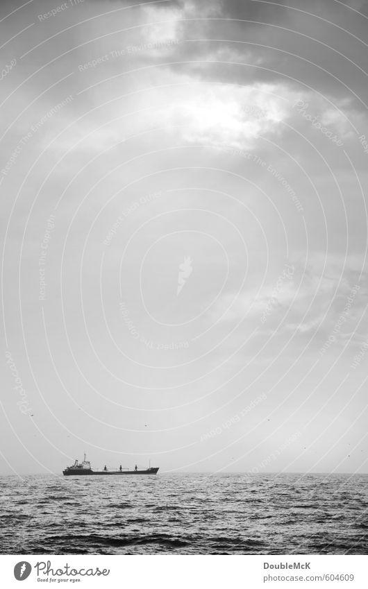 Horizontstreifer Himmel Natur Ferien & Urlaub & Reisen Wasser Meer Einsamkeit Wolken Ferne Umwelt Horizont Wellen Abenteuer Unendlichkeit fahren Sehnsucht Schifffahrt