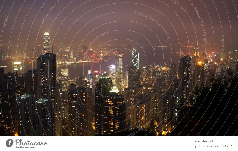 Victoria Peak - Skyline Hong Kong Island Ferne Nachthimmel Nebel Hongkong China Asien Stadt Stadtzentrum bevölkert Haus Hochhaus Sehenswürdigkeit Wahrzeichen