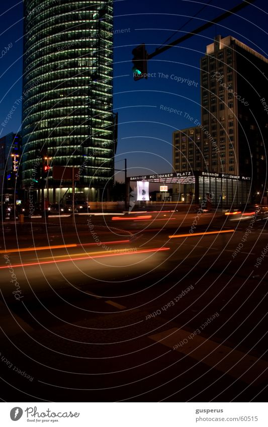Nachtlichter die 299te Licht Stadt Geschwindigkeit dunkel Zeit Verkehr fahren Zukunft Deutschland Leben pulse PKW Mischung Straße Bewegung light darkness