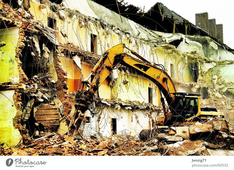 destruction. Baustelle Zerstörung Demontage Bagger Zerreißen zerstören